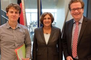 Christian Schefke, Bildungsministerin Britta Ernst und Martin Habersaat