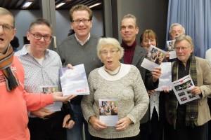 Foto: Martin Habersaat (3.v.l.) und Mitglieder der SPD Glinde
