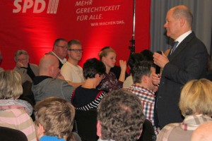 Olaf Scholz im Dialog
