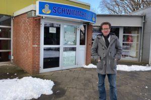 Martin Habersaat setzt sich für die Schwimmhalle Barsbüttel ein